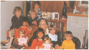Mia's last Christmas picture with her grandchildren, 1976